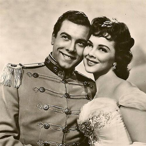 Easily Download Kathryn Grayson and Mario Lanza Printable PDF piano music notes, guitar tabs for  Piano, Vocal & Guitar (Right-Hand Melody). Transpose or transcribe this score in no time - Learn how to play song progression.