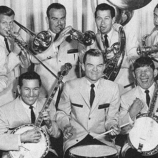 Easily Download Spike Jones and his City Slickers Printable PDF piano music notes, guitar tabs for  Piano, Vocal & Guitar (Right-Hand Melody). Transpose or transcribe this score in no time - Learn how to play song progression.