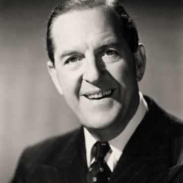 Easily Download Stanley Holloway Printable PDF piano music notes, guitar tabs for  Piano, Vocal & Guitar (Right-Hand Melody). Transpose or transcribe this score in no time - Learn how to play song progression.