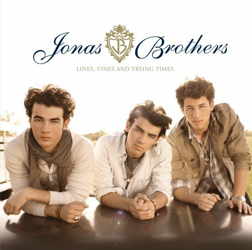 Jonas Brothers, World War III, Piano, Vocal & Guitar (Right-Hand Melody), sheet music, piano notes, chords, song, artist, awards, billboard, mtv, vh1, tour, single, album, release