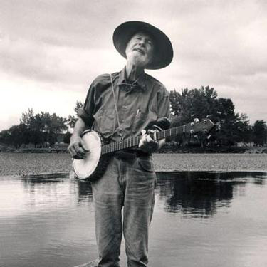 Easily Download Pete Seeger Printable PDF piano music notes, guitar tabs for  Piano, Vocal & Guitar (Right-Hand Melody). Transpose or transcribe this score in no time - Learn how to play song progression.