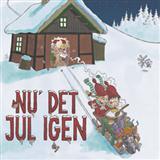 Download or print Traditional Nu Er Det Jul Igen Sheet Music Printable PDF -page score for Traditional / arranged Piano SKU: 105609.
